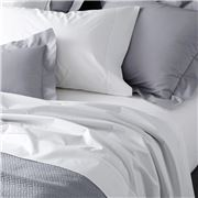 Matouk - Luca Fitted Sheet White Queen