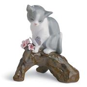 Lladro - Blossoms For The Kitten