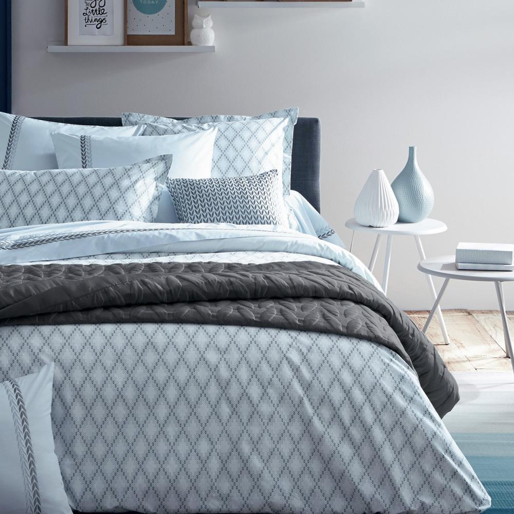 anne de solene opera queen blue frost printed flat sheet peter 39 s of kensington. Black Bedroom Furniture Sets. Home Design Ideas