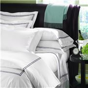 Sferra - Grande Hotel White & Navy Pillowcase Set 2pce