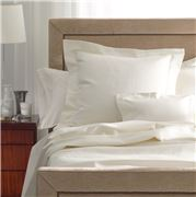 Matouk - Lugano White Queen Coverlet