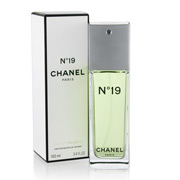 Chanel - No. 19 Eau de Toilette 100ml