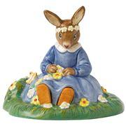 Royal Doulton - Bunnykins Figurine Barbara Daisy Chain